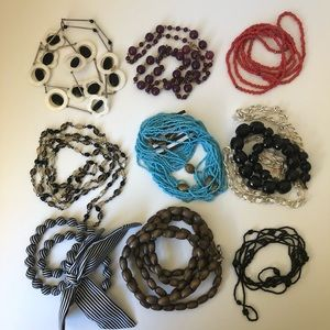 Jewelry - Assorted necklaces